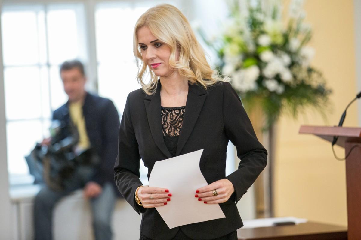 Štátna tajomníčka Jankovská brala podľa dvoch svedkov úplatky   Spoločnosť   .týždeň - iný pohľad na spoločnosť