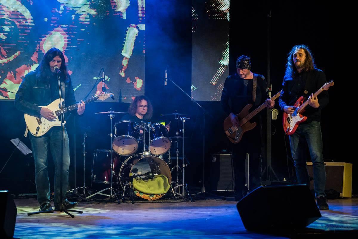Žalman Brothers Band /The Butchers pod lampou