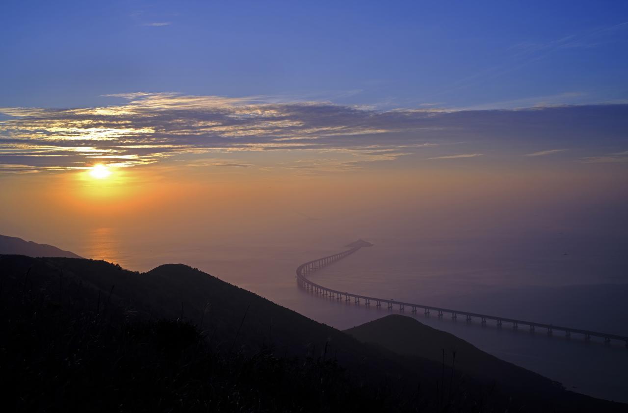 Ďalší rekord Made in China. Fascinujúce zábery nového čínskeho mosta